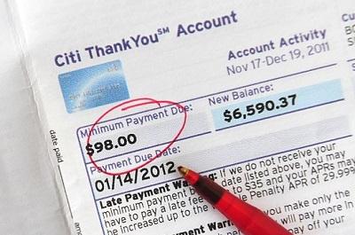 A imagem mostra a opção de pagamento mínimo na fatura (em inglês)